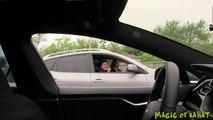 Caméra cachée : un conducteur invisible à bord d'une Tesla