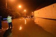 Ere (Tournai): Évacuation de familles par bateaux des pompiers de Tournai et de l'armée.