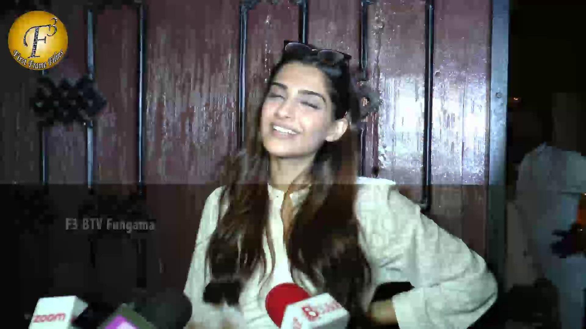 SONAM KAPOOR CELEBRATE HER BIRTHDAY WITH MEDIA