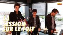 """Radio Elvis joue """"Les Moissons"""" pour la session sur le toit"""
