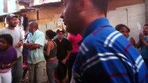 Favela do Moinho 10/09/2013 - PMs saindo da Favela do Moinho após denúncia de abuso - parte final