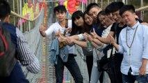 Le plus long pont en verre du monde inauguré en Chine