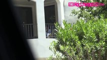 Kelly Rowland Calls Beyonce On Her Lunch Break From The Balcony Of Her Hotel In Los Angeles 6.8.16