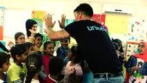 Ricky Martin, Embajador de Buena Voluntad de UNICEF, visita a niños refugiados sirios.