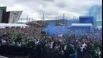 C'était hier à Belfast ... Cela va devenir le tube de l'Euro ! On n'aime pas, on adore et on est fan !