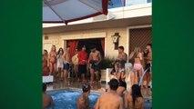 Neymar curte festa na piscina em Las Vegas