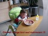 Clément 13 - Repas tout seul ! (23 mois)
