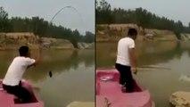 Il perd son téléphone et sa canne à pêche dans l'eau !