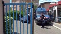 35 supporters russes refusent de quitter leur car