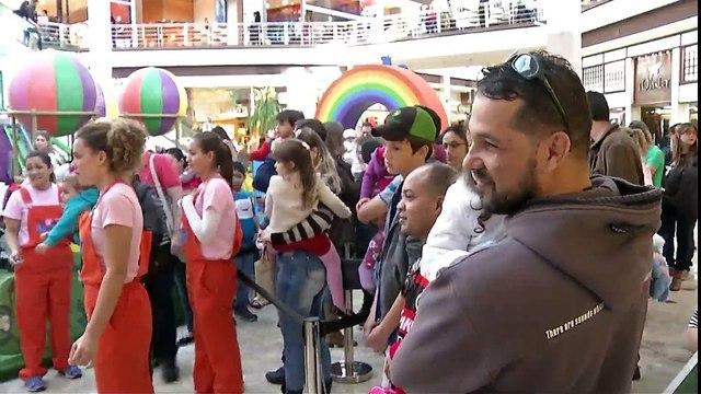 Parque da Peppa Pig atrai criançada a shopping da Capital