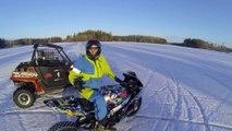 drift de fou sur la glace : moto vs buggy sur un lac gelé