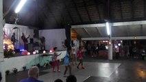 Groupe de danse moyen