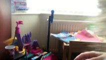 Cette petite fille voit pour la première fois l'échographie de sa sœur... Sa réaction est émouvante !