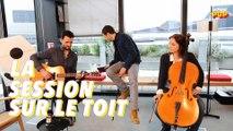 Alex Beaupain reprend « La petite Bill, elle est malade » d'Alain Souchon, dans la session sur le toit.