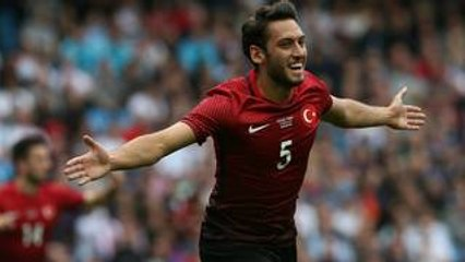【EURO2016スター選手のベストプレー集】トルコ代表のFK達人チャルハノール
