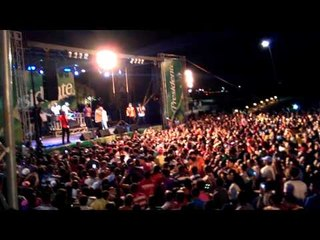 El Poeta Callejero Y Mozart La Para - Un Loco Como Yo (Remix) (2013) [Live]