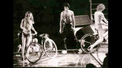 23. Audience Cheering (Queen-Live In New York: 11/17/1978)