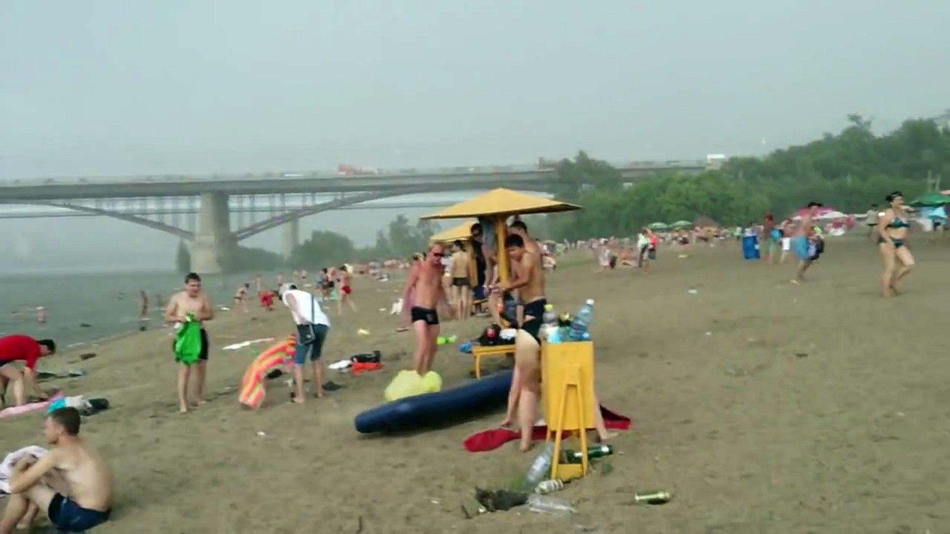 Когда эти люди шли на пляж, они не подозревали, что станут свидетелями ужасного природного явления…