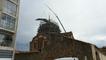 Un toit posé sur l'église du Sacré-Coeur