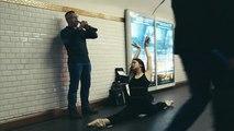 Des danseurs viennent surprendre les artistes du métro parisien