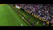 Ezequiel Lavezzi chute en plein match et se casse le coude... Terrible fracture lors de la Copa America