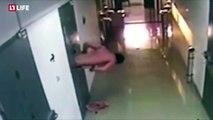 Ce prisonnier Russe est la réincarnation de Houdini, son évasion filmée par les caméras de sécurité est tout bonnement abusée!!!