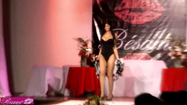 Camila & Mariana Davalos - Besame lingerie fashion show 2009