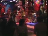 Who remembers this on TOTP?! Nicky Wilson the dart player's face appears on the back screen instead of Jackie Wilson the soul singer!!!