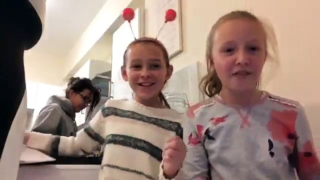 Pictionary Peppa Pig?!  W/ Vicki and SquidlyDidly