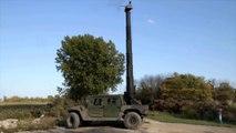 Mitrailleuse montée sur une tourelle géante sur Hummer... Courrez !!