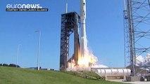 La Navy met en orbite un nouveau satellite d'observation et de communications