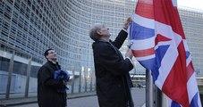 """Moody's İngiltere'nin Kredi Notunu """"Negatif """"E""""ye Çekti"""