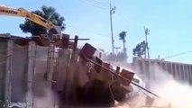 Un camion plein de béton détruit un chantier. Fail couteux!!!