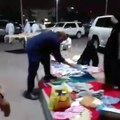 Very Embarrassing See What These Pakistani Peoples Doing In Madina