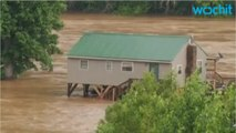 Obama pledges federal aid after deadly West Virginia Floods