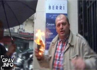 Brûler son passeport pour dénoncer le scandale de la CIPAV