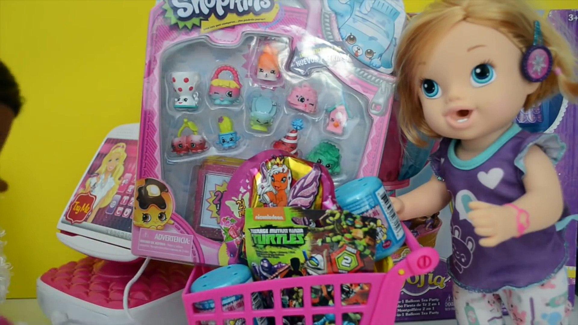 Baby Alive Minha Boneca compra Brinquedo no Mercadinho da Barbie!!! Em Portugues Tototoykids
