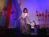 Ca sĩ Tuấn Anh hải ngoại - Người đàn bà 2000 năm trước - Ca sĩ Tuấn Anh lập dị