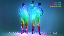 Déguisement de dingue : une combinaison de lumières LED pour faire la teuf !