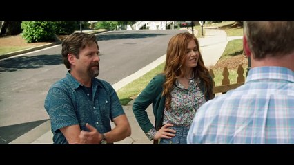 KEEPING UP WITH THE JONESES - Bande-annonce (Zach Galifianakis, Isla Fisher, John Hamm, Gal Gadot)