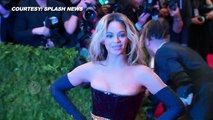 Beyoncé Has a Wardrobe Malfunction at Her Concert