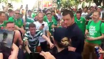 Euro 2016 : les supporters irlandais draguent une policière à Lille avant France - Irlande