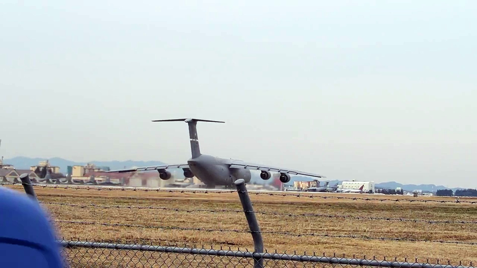 C-5M Super Garaxy - Takeoff at Yokota Air Base 2016/1/23 横田基地