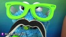 World's Biggest COOKIE MONSTER Surprise Egg! Sesame Street Toys HobbyKidsTV_16