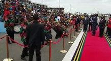 Rais wa Tanzania Dkt. John Pombe Magufuli ampokea Rais wa Rwanda. Paul Kagame