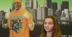 Le catcheur John Cena piège des fans survoltés (vidéo)