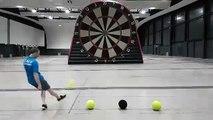 Foot Darts, le jeu de fléchettes géant avec des ballons de foot