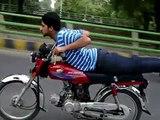 Lahorei Boys Bike Racing & Wheeling - Pakistani Street Racers & Bike Wheeling