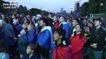 La liesse des supporteurs de l'équipe de France à la fan-zone de la tour Eiffel