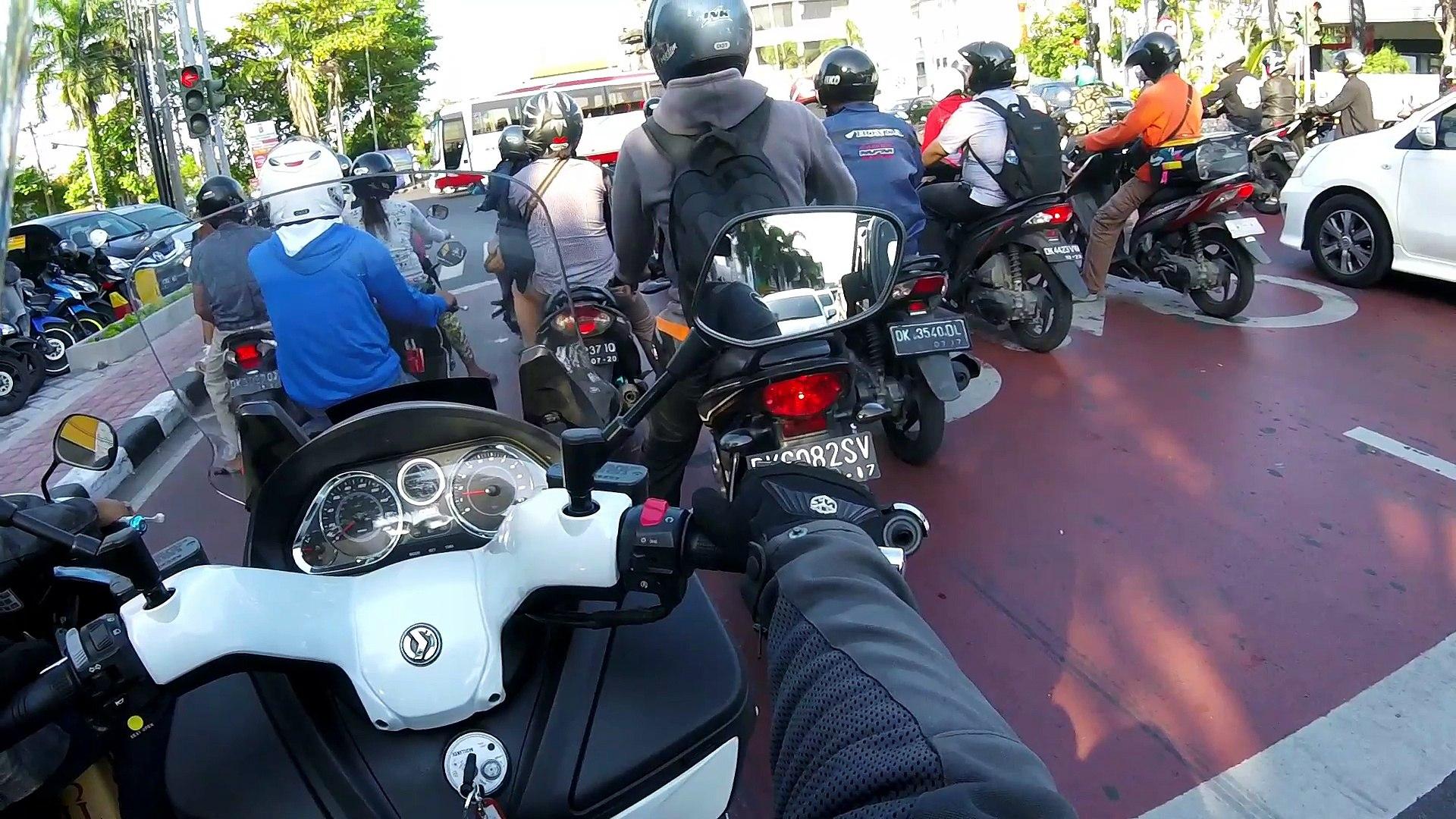 Motovlog Indonesia Test drive SYM MaxSym 400i Bali Balo Motor, The luxury riding lounge